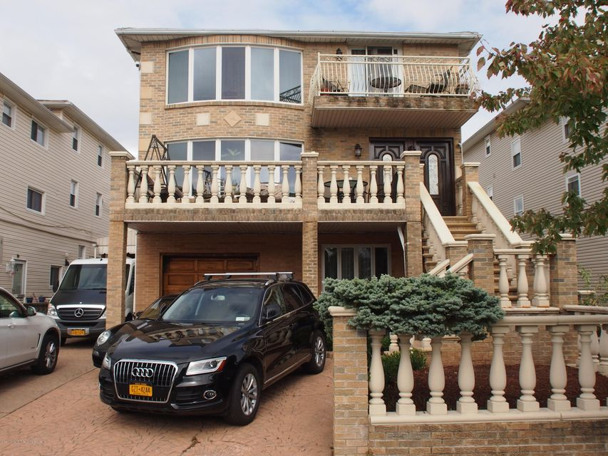 Single Family Home for Sale at 429 Jefferson Avenue Staten Island, New York 10306 United States
