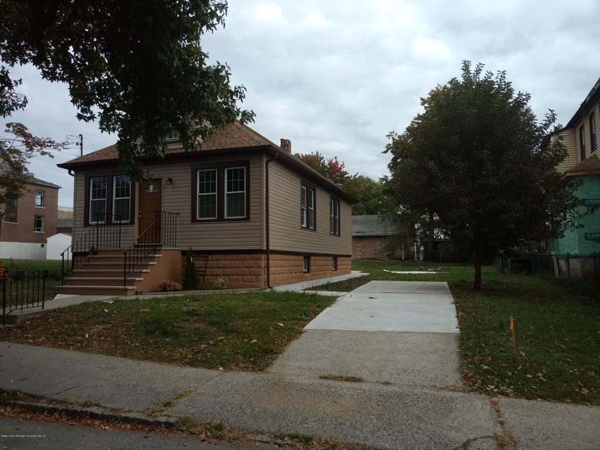 Additional photo for property listing at 235 Harbor Road  Staten Island, New York 10303 United States
