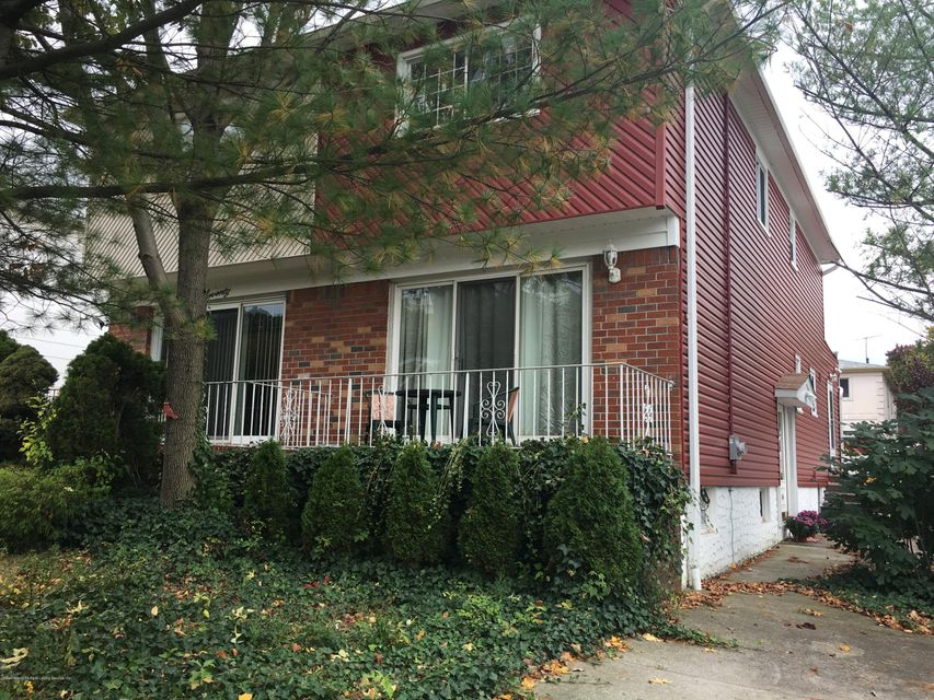 Single Family Home for Sale at 66 Sheraden Avenue Staten Island, New York 10314 United States