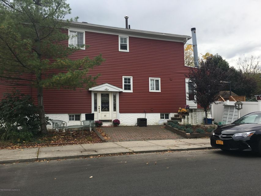 Additional photo for property listing at 66 Sheraden Avenue  Staten Island, New York 10314 United States