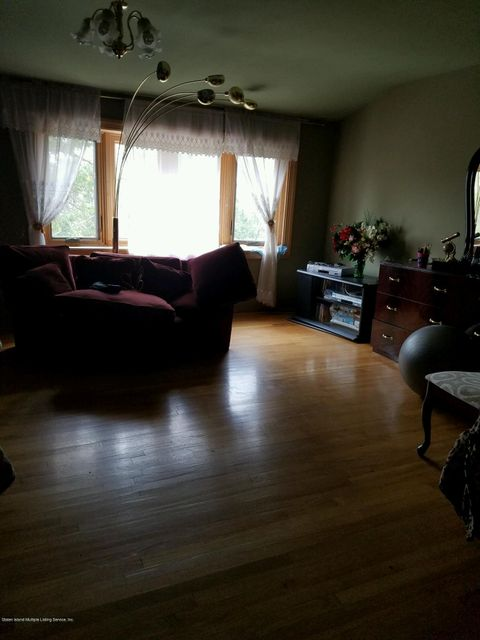 Additional photo for property listing at 145 Cedar Grove Avenue  Staten Island, New York 10306 United States