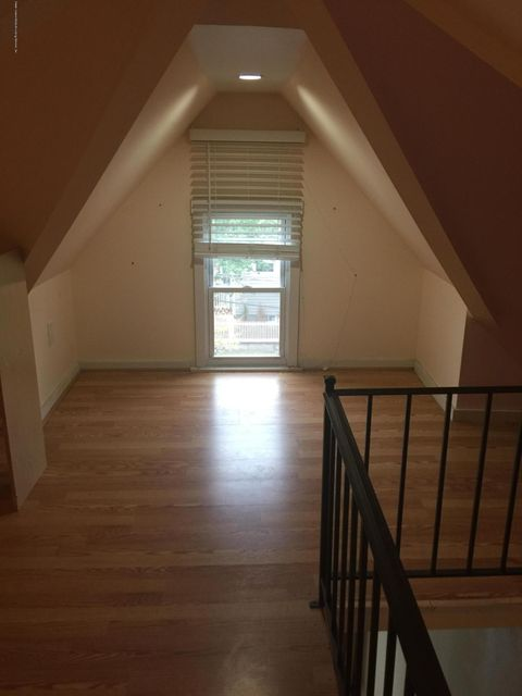 Additional photo for property listing at 886 Delafield Avenue  Staten Island, New York 10310 United States