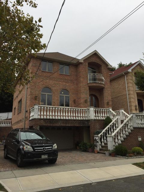 Single Family Home for Sale at 51 Urbana Street Staten Island, New York 10304 United States