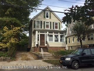 Single Family - Detached in Princes Bay - 23 Florence Place  Staten Island, NY 10309