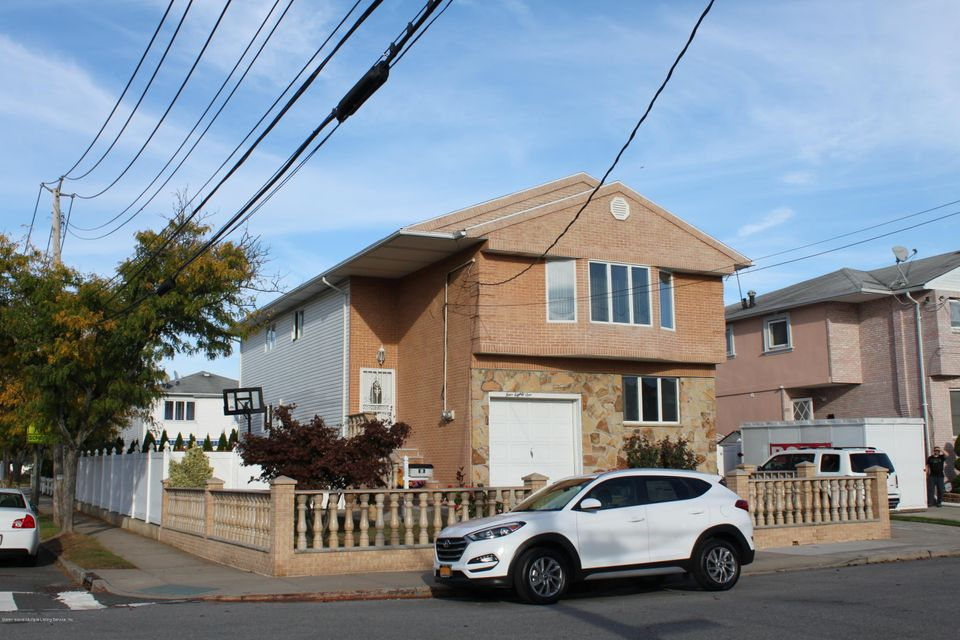 Single Family Home for Sale at 481 Naughton Avenue Staten Island, New York 10305 United States