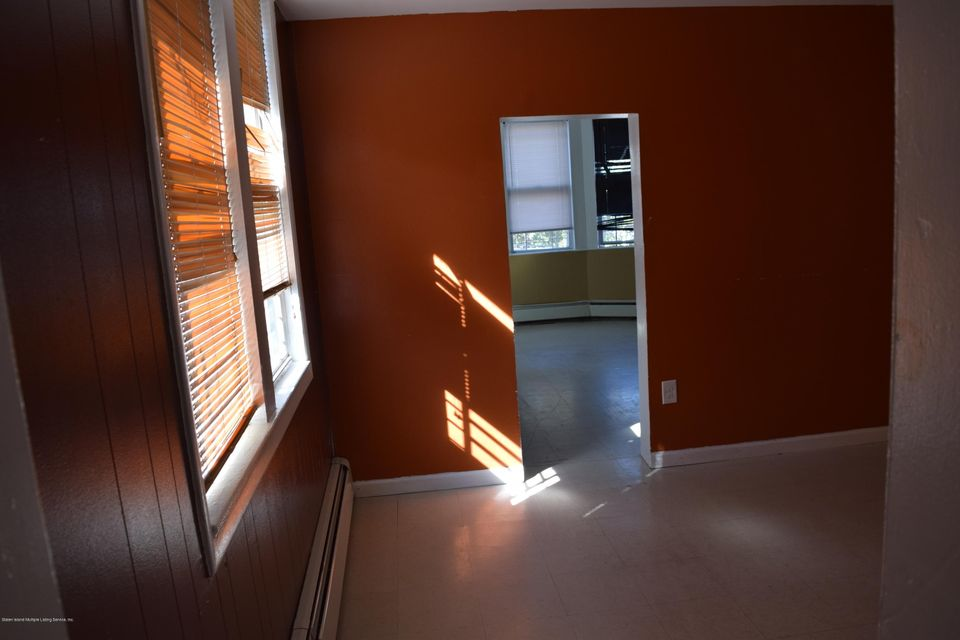 Two Family - Detached 28 Hett Avenue  Staten Island, NY 10306, MLS-1114705-11