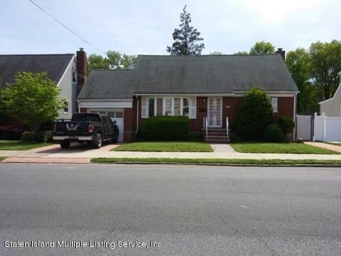 Single Family Home for Sale at 200 Lincoln Avenue Staten Island, New York 10306 United States