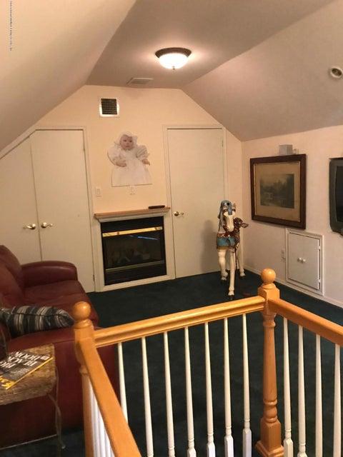 Single Family - Detached 69 Locust Avenue  Staten Island, NY 10306, MLS-1112578-20
