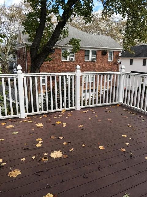 Single Family - Detached 69 Locust Avenue  Staten Island, NY 10306, MLS-1112578-23