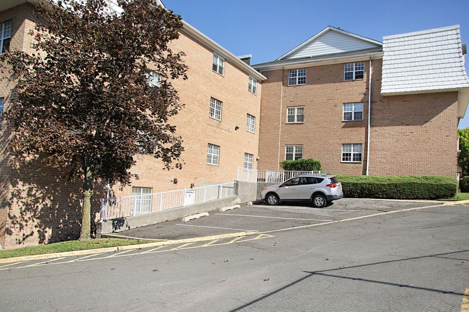 Commercial for Sale at 85-0 Elmwood Park Drive Staten Island, New York 10314 United States
