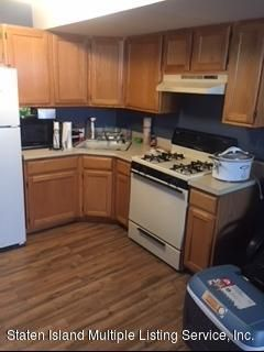 Additional photo for property listing at 22 Seguine Loop  Staten Island, New York 10309 United States
