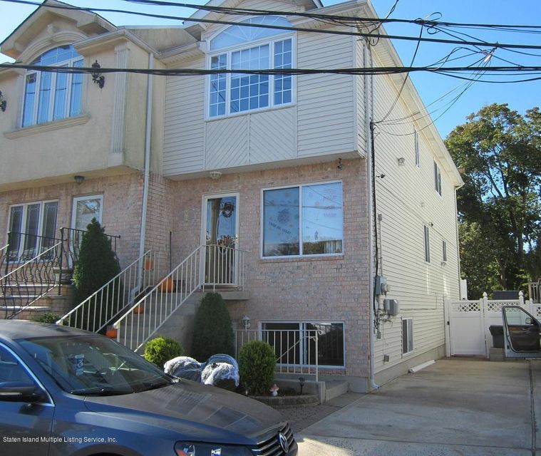 Single Family Home for Sale at 16 Bentley Lane Staten Island, New York 10307 United States