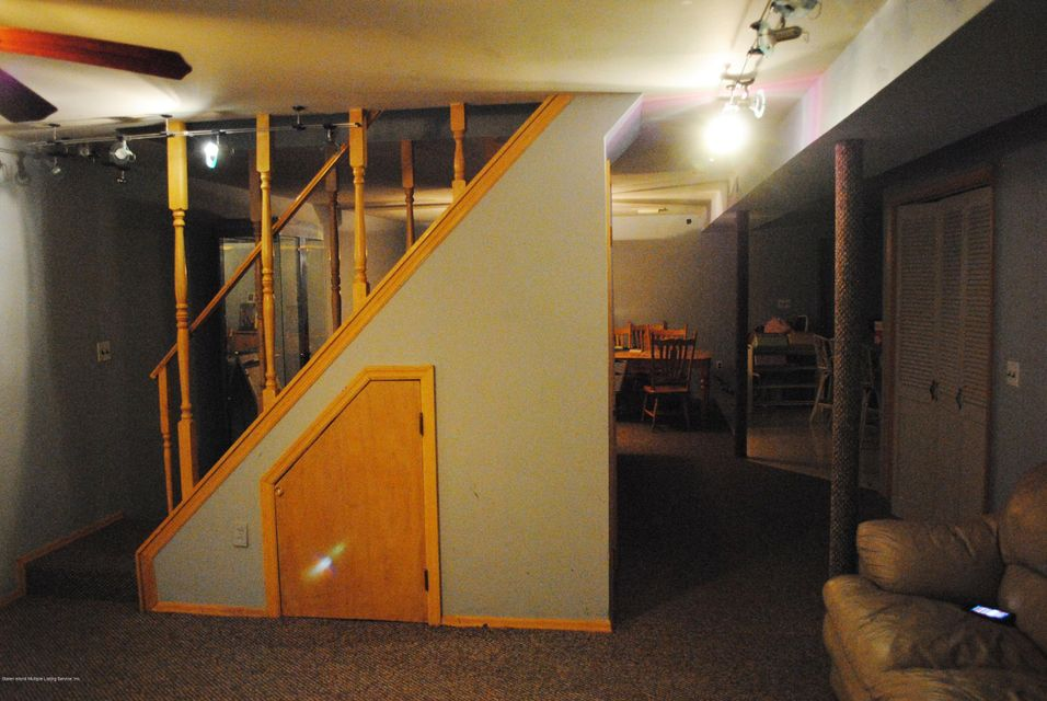 Additional photo for property listing at 328 Laconia Avenue  Staten Island, New York 10305 United States