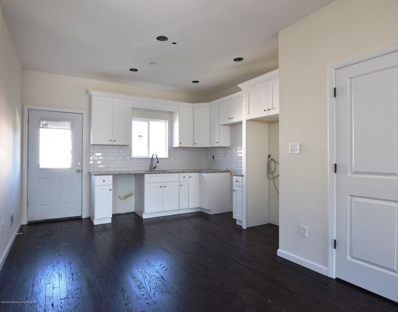 Additional photo for property listing at 627 Lincoln Avenue  Staten Island, New York 10306 United States