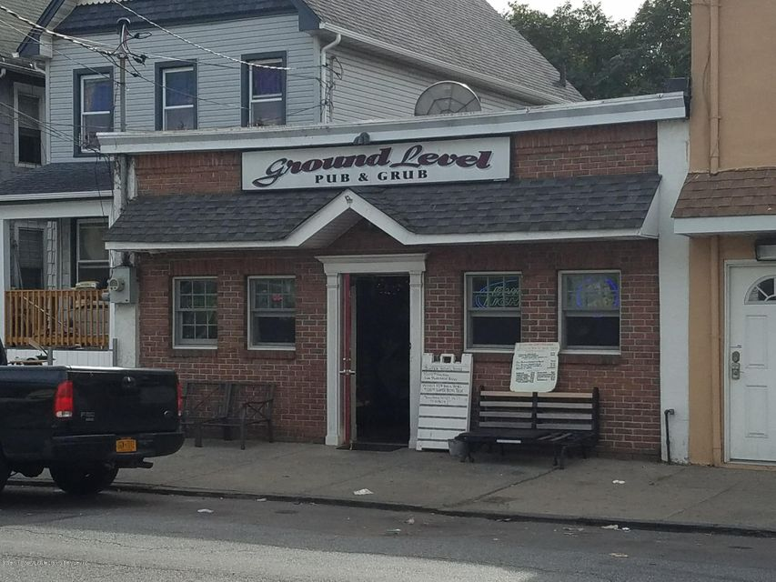 Commercial for Rent at 958 Post Avenue Staten Island, New York 10302 United States