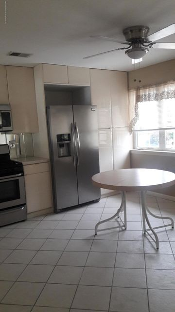 Additional photo for property listing at 43 Waterview Court  Staten Island, New York 10305 United States