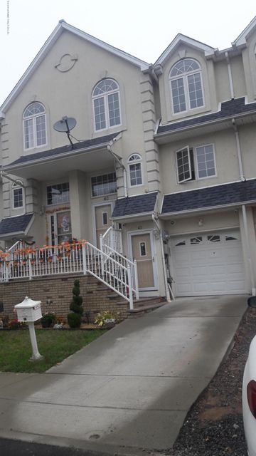 Single Family Home for Rent at 43 Waterview Court Staten Island, New York 10305 United States