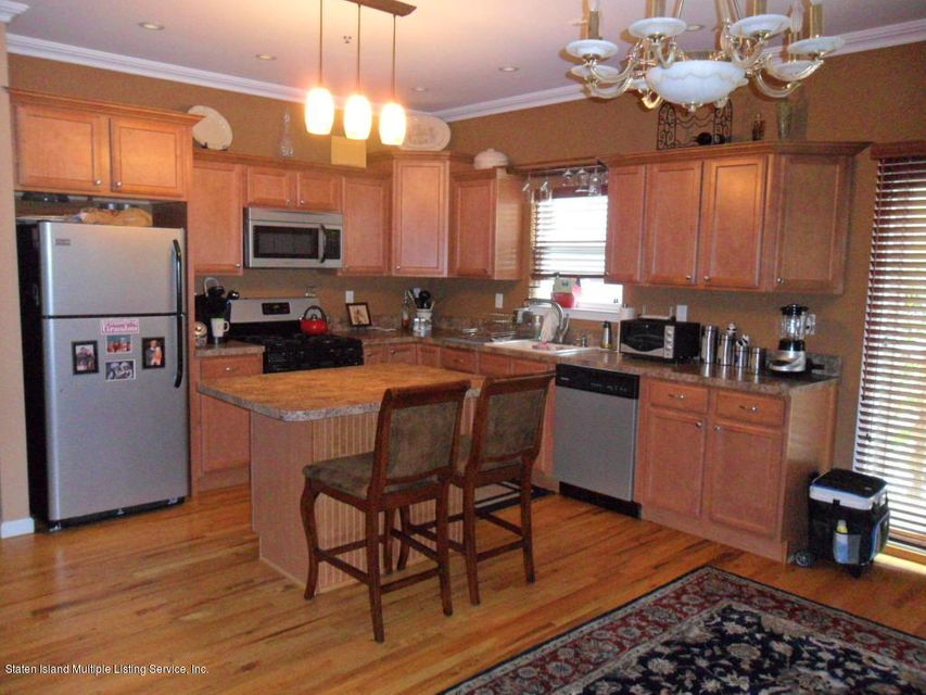Additional photo for property listing at 315 Yetman Avenue  Staten Island, New York 10307 United States