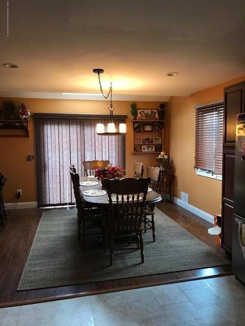 Single Family - Semi-Attached 60 Pond Street  Staten Island, NY 10309, MLS-1114802-2