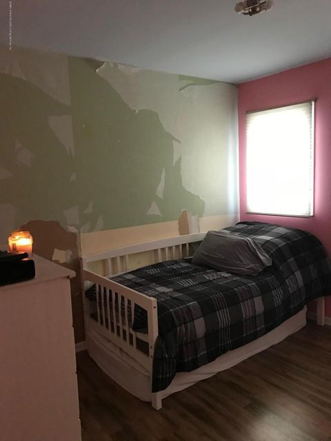 Single Family - Semi-Attached 60 Pond Street  Staten Island, NY 10309, MLS-1114802-3