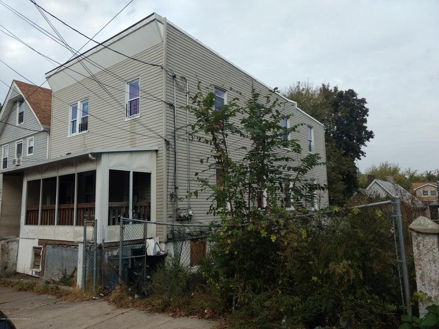 Two Family - Detached 141 Hendricks Avenue  Staten Island, NY 10301, MLS-1114806-2