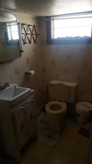 Additional photo for property listing at 37 Hull Avenue  Staten Island, New York 10306 United States