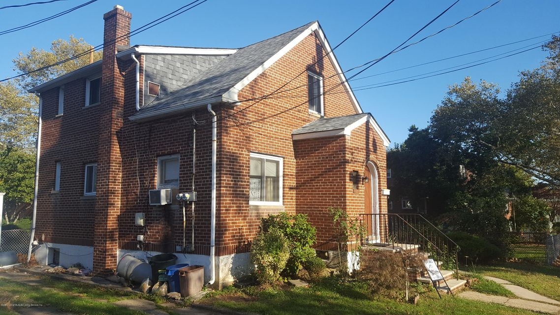 Single Family Home for Sale at 37 Hull Avenue Staten Island, New York 10306 United States