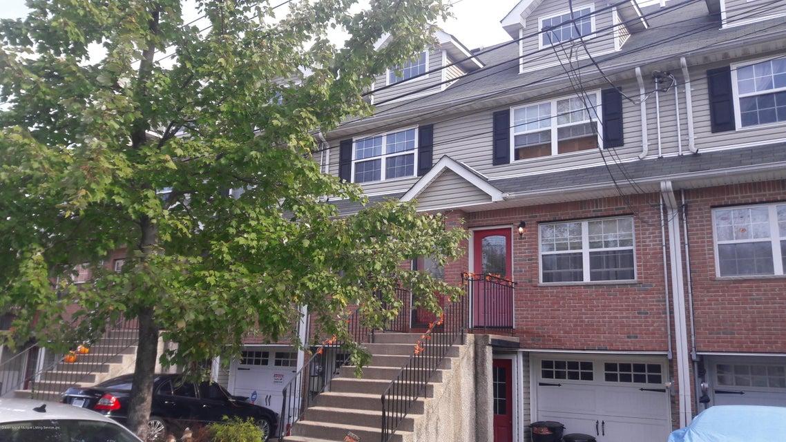Single Family Home for Sale at 23 Giacomo Lane Staten Island, New York 10310 United States