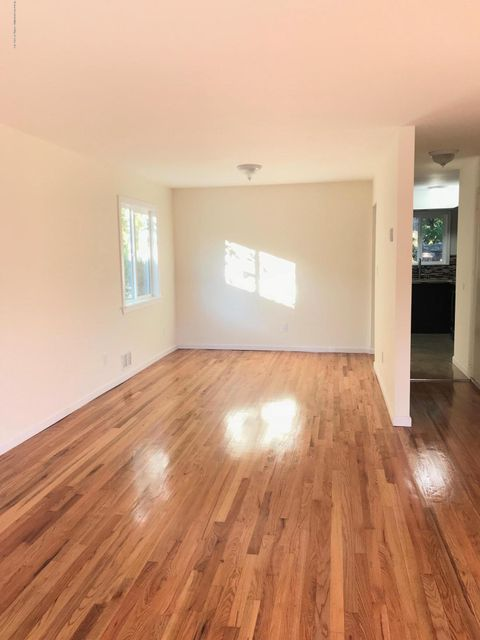 Additional photo for property listing at 3756 Richmond Avenue  Staten Island, New York 10312 United States