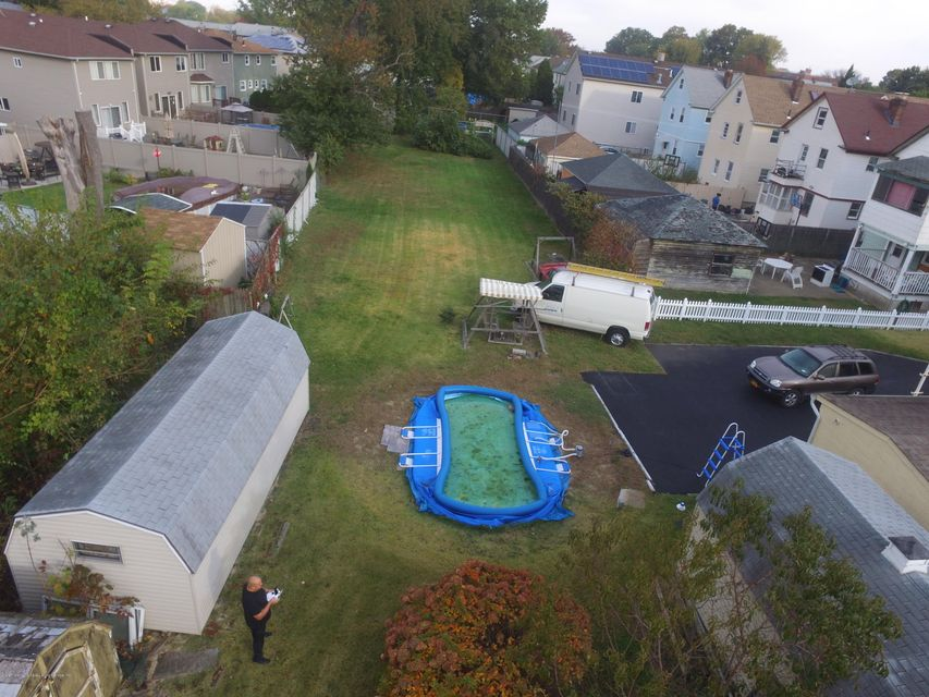 Additional photo for property listing at 170 Dubois Avenue  Staten Island, New York 10310 United States