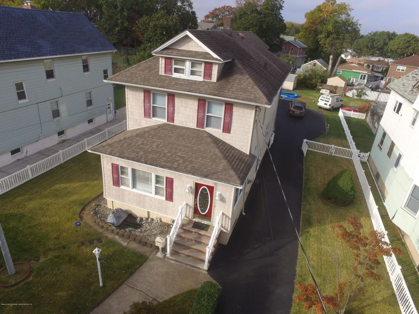 Single Family Home for Sale at 170 Dubois Avenue Staten Island, New York 10310 United States