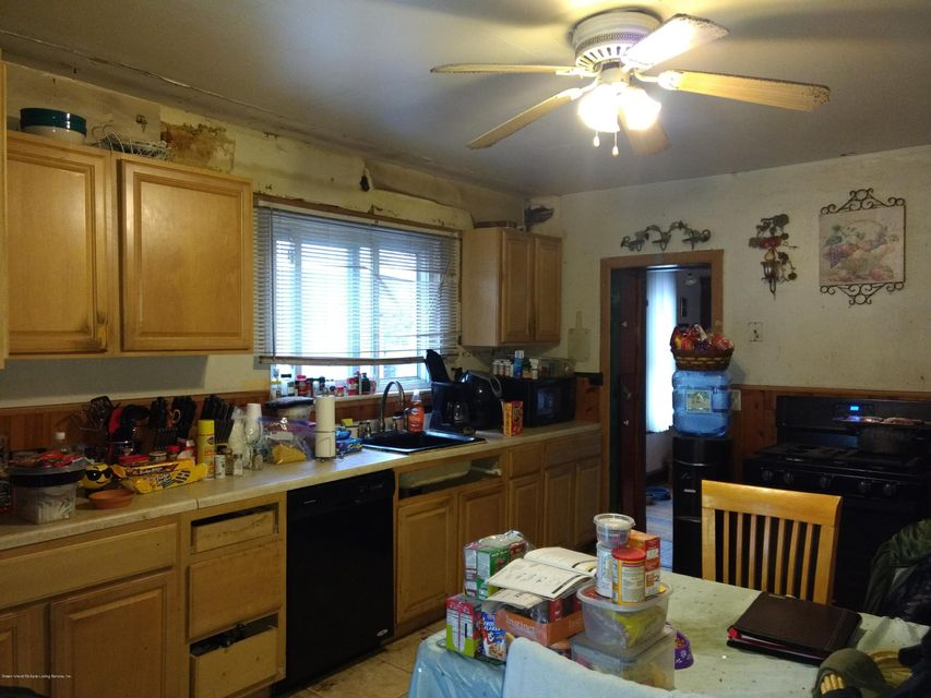 Additional photo for property listing at 18 Laforge Avenue  Staten Island, New York 10302 United States