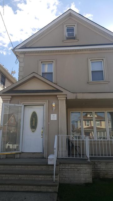 Single Family Home for Rent at 48 Lincoln Street Staten Island, New York 10314 United States