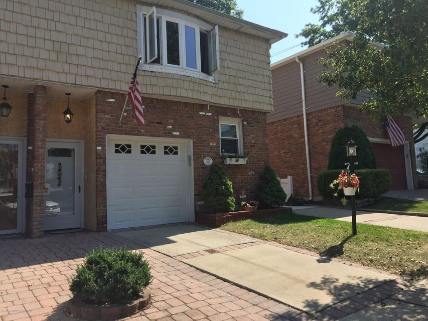 Single Family Home for Rent at 357 Wooley Avenue Staten Island, New York 10314 United States
