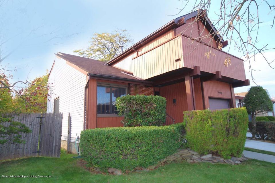 Additional photo for property listing at 20 Mcarthur Avenue  Staten Island, New York 10312 United States