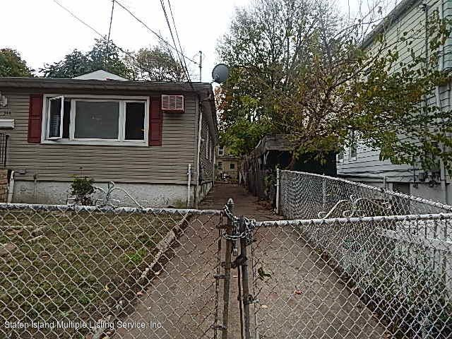 Additional photo for property listing at 344 Hillside Avenue  Staten Island, New York 10304 United States