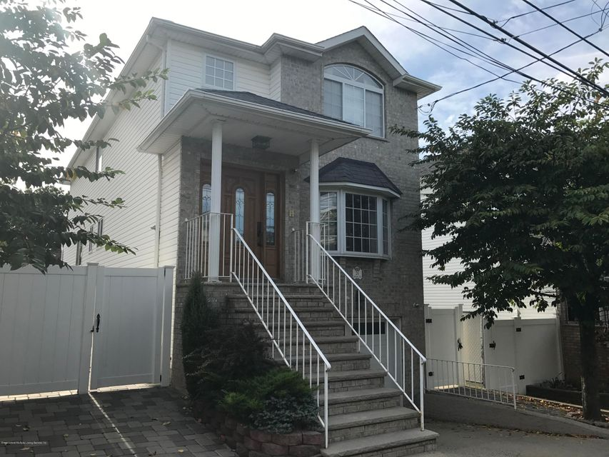 Single Family Home for Sale at 26 Meagan Loop Staten Island, New York 10307 United States
