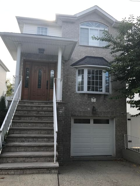 Additional photo for property listing at 26 Meagan Loop  Staten Island, New York 10307 United States