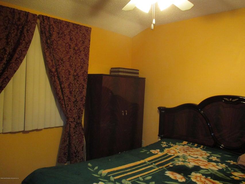 Additional photo for property listing at 445 Ilyssa Way  Staten Island, New York 10312 United States
