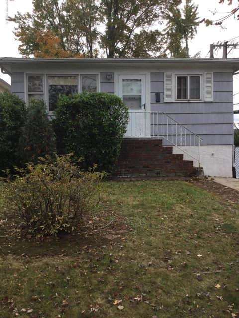 Additional photo for property listing at 530 Darlington Avenue  Staten Island, New York 10309 United States