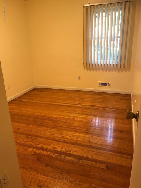Additional photo for property listing at 240 Buel Avenue  Staten Island, New York 10305 United States