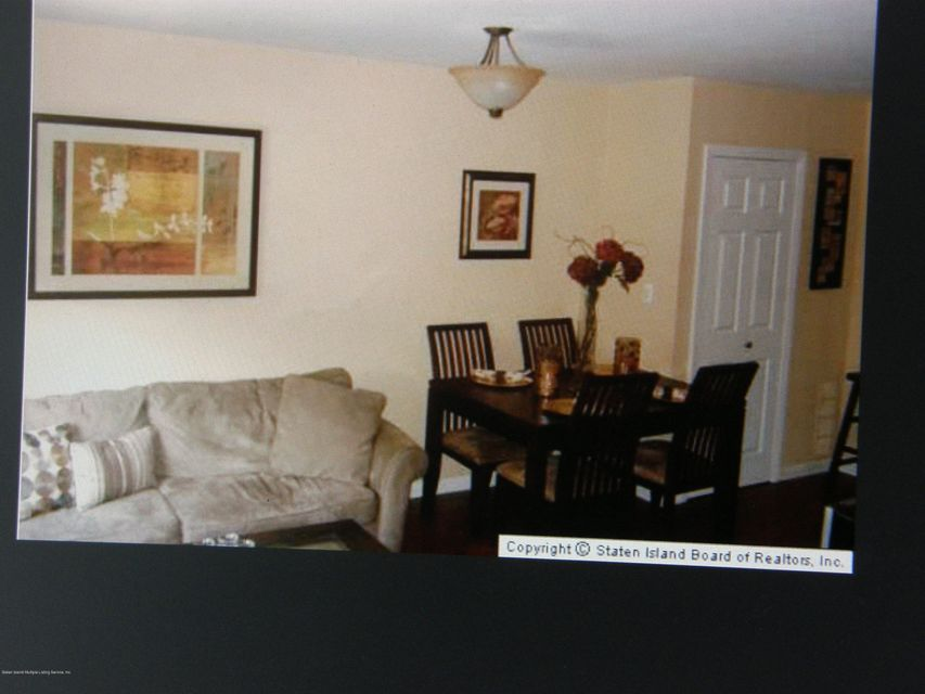 Additional photo for property listing at 34 Francine Ct  Staten Island, New York 10306 United States