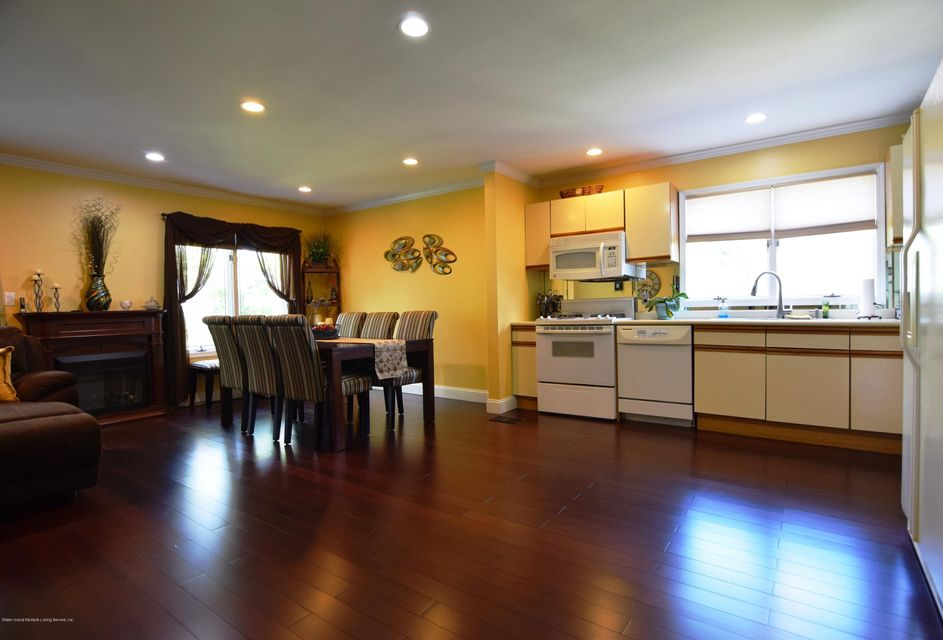 Additional photo for property listing at 63 Commodore Drive  Staten Island, New York 10309 United States