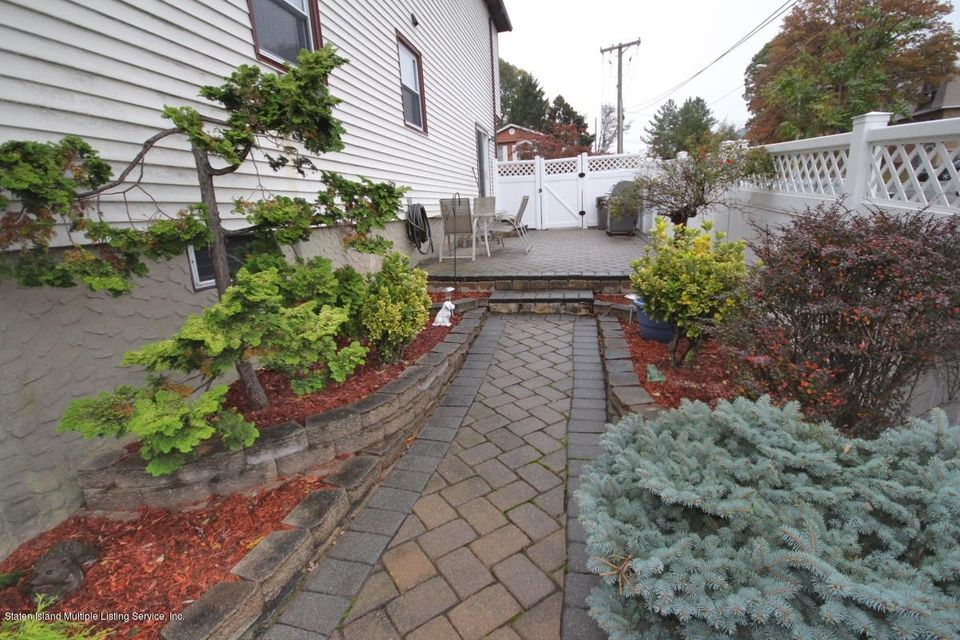 Additional photo for property listing at 48 Ionia Avenue  Staten Island, New York 10312 United States