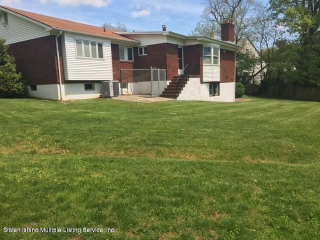 Additional photo for property listing at 10 Charter Oak Road  Staten Island, New York 10304 United States