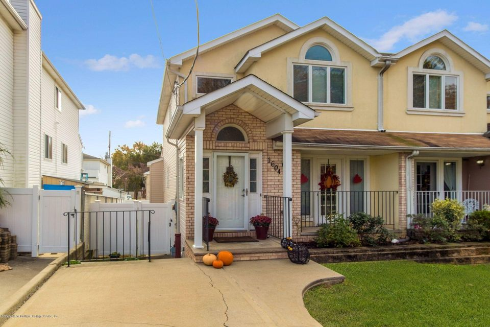 Single Family Home for Sale at 1604 Woodrow Road Staten Island, New York 10309 United States