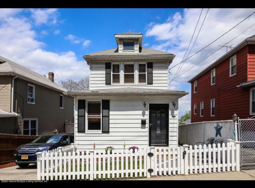 Single Family Home for Rent at 35 Eadie Place Staten Island, New York 10301 United States