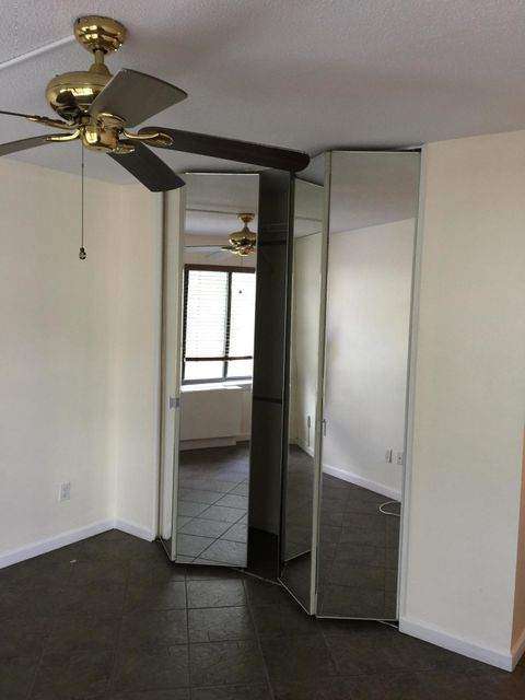Additional photo for property listing at 40 Wellington Court  Staten Island, New York 10314 United States