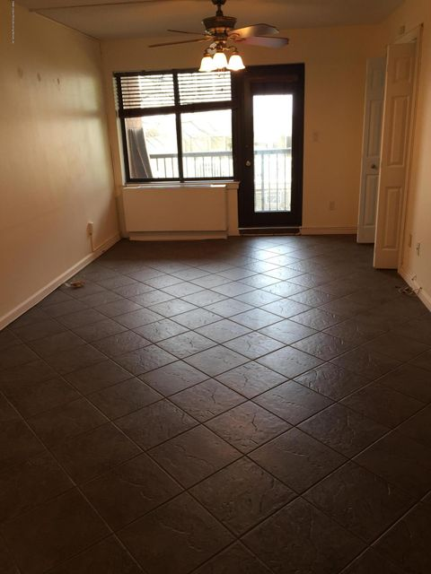 Single Family Home for Sale at 40 Wellington Court Staten Island, New York 10314 United States