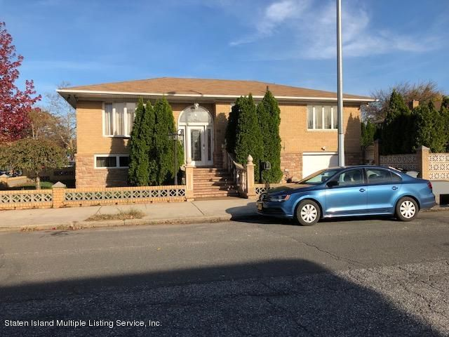 Single Family - Detached in Grasmere - 95 Woodlawn Avenue  Staten Island, NY 10305